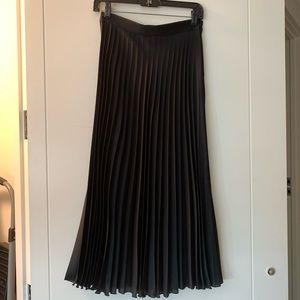 Zara pleated skirt, size S, black